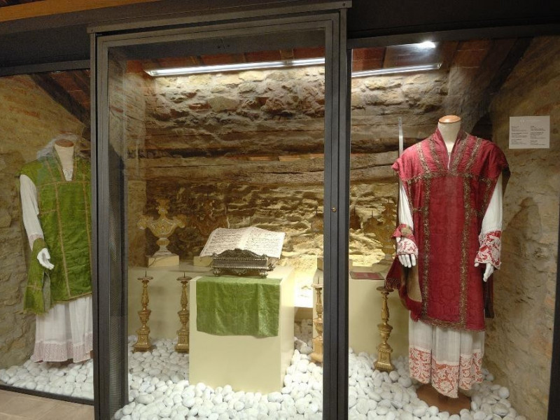 Museo della Madonna della Sbarra. Sala esposi Fedeli, Marcello; jpg; 2126 pixels; 1417 pixels