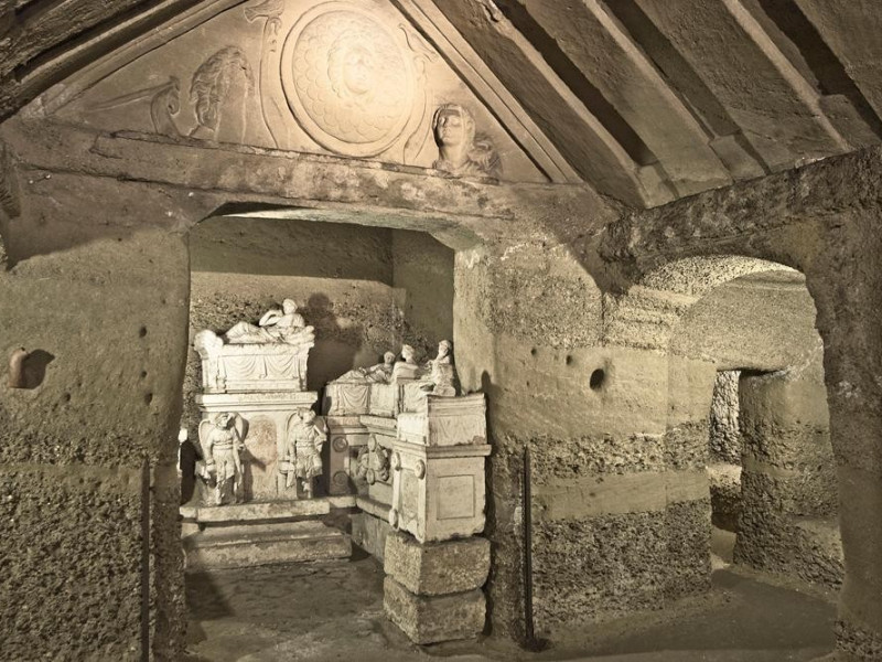 Necropoli del Palazzone e Ipogeo dei Volumni. Bovini, Mirko; jpg; 1000 pixels; 667 pixels