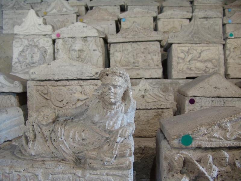 Necropoli del Palazzone e Ipogeo dei Volumni. Bovini, Mirko; jpg; 3264 pixels; 2448 pixels