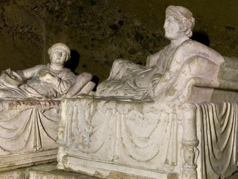 Necropoli del Palazzone e Ipogeo dei Volumni. jpg; 768 pixels; 512 pixels