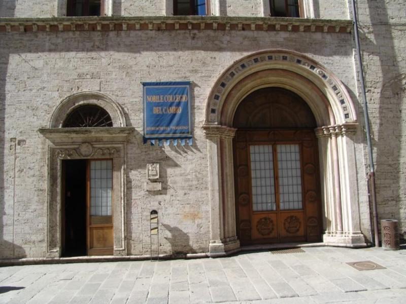 Nobile Collegio del Cambio. Ingresso. Bovini, Mirko; jpg; 768 pixels; 576 pixels
