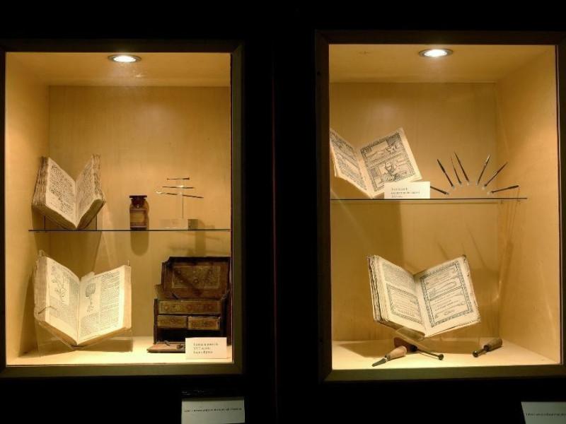 Museo della Abbazia di Sant'Eutizio. Libri e  jpg; 2126 pixels; 1417 pixels