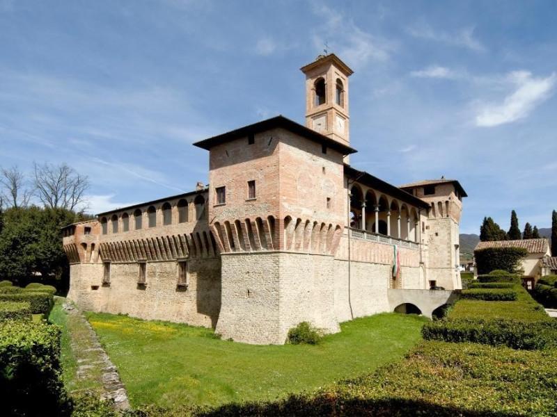 Castello Bufalini. Esterno. Parco Tecnologico 3A-Progetto Ville e Giardini Regione Umbria; jpg; 1936 pixels; 1296 pixels