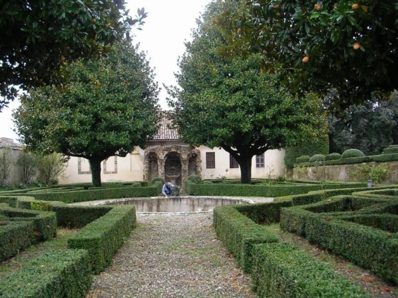 Castello Bufalini. Veduta del giardino sud-or Parco Tecnologico 3A-Progetto Ville e Giardini Regione Umbria; jpg; 768 pixels; 576 pixels