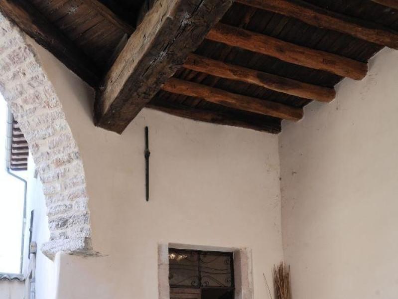 Museo della Canapa. Ingresso. jpg; 1417 pixels; 2126 pixels