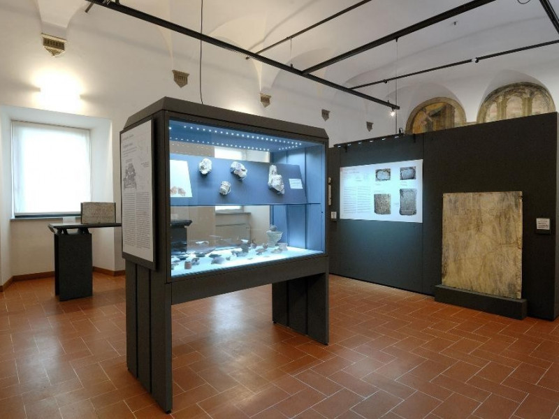 Museo Archeologico Nazionale e teatro romano. jpg; 2126 pixels; 1417 pixels