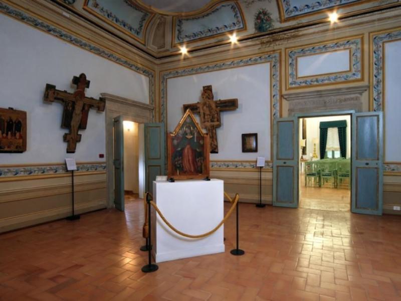 Museo diocesano e Basilica di Santa Eufemia.  Bellu, Sandro; jpg; 929 pixels; 622 pixels
