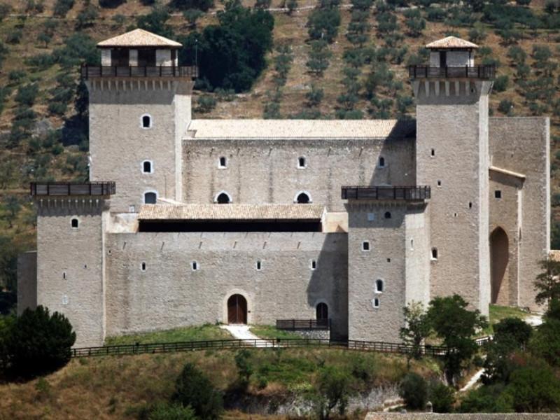 Museo Nazionale del Ducato di Spoleto. La Roc ; jpg; 929 pixels; 622 pixels