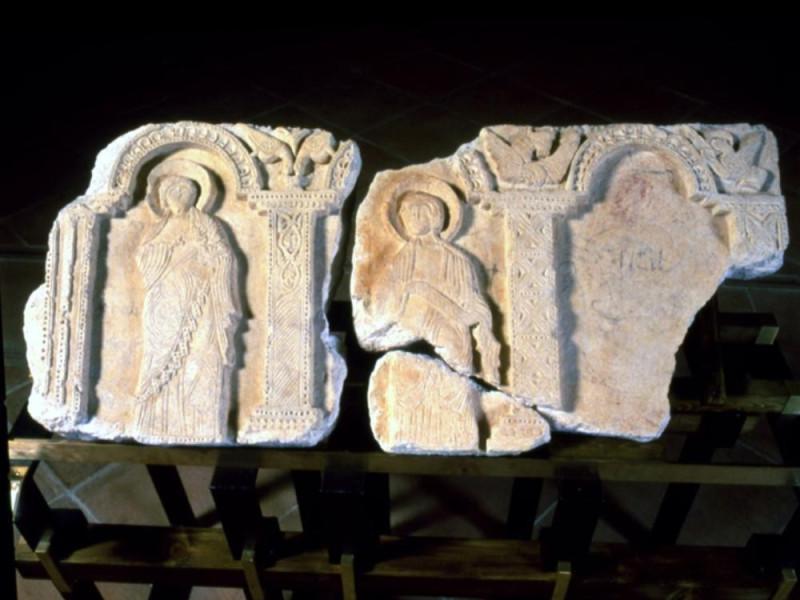 Museo Nazionale del Ducato di Spoleto. Lastra Archivio fotografico BAPPSAE dell'Umbria/ Bellu, Sandro; jpg; 721 pixels; 576 pixels