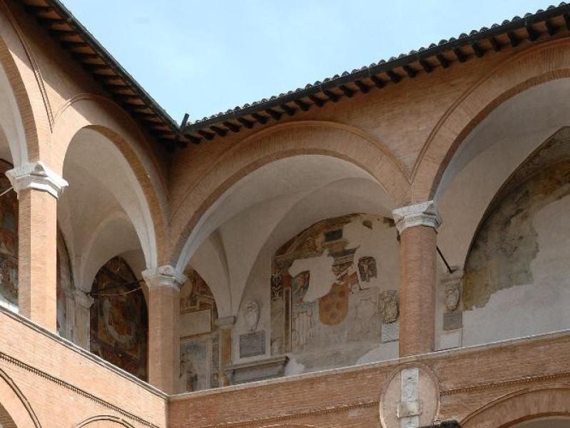 Rocca Albornoziana. Cortile d'Onore. Fedeli, Marcello; jpg; 1417 pixels; 2126 pixels