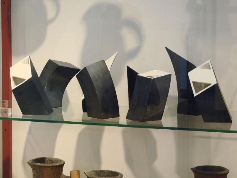 Collezione Nino Caruso. Vasi. jpg; 2126 pixels; 1417 pixels