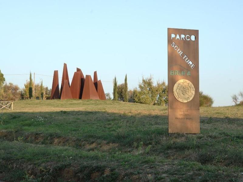 Parco di sculture di Brufa Fedeli, Marcello; jpg; 2126 pixels; 1417 pixels