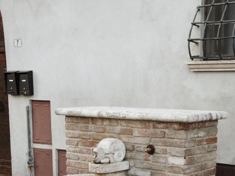 Pietro Cascella. Scultura. Fontanina. 2006 Fedeli, Marcello; jpg; 1417 pixels; 2126 pixels