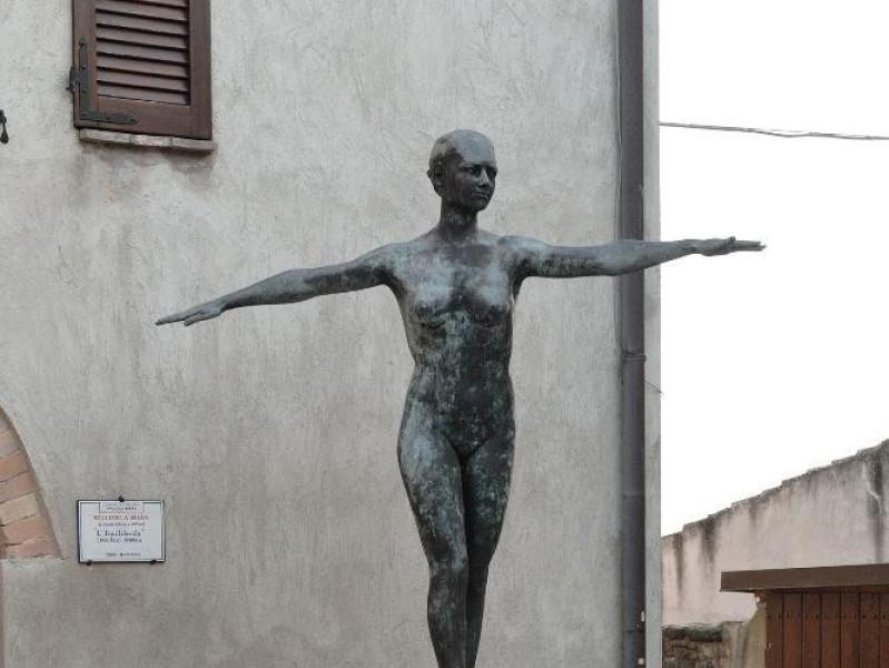 Marcello Sforna. Scultura. L'Equilibrista. 19 Fedeli, Marcello; jpg; 1417 pixels; 2126 pixels