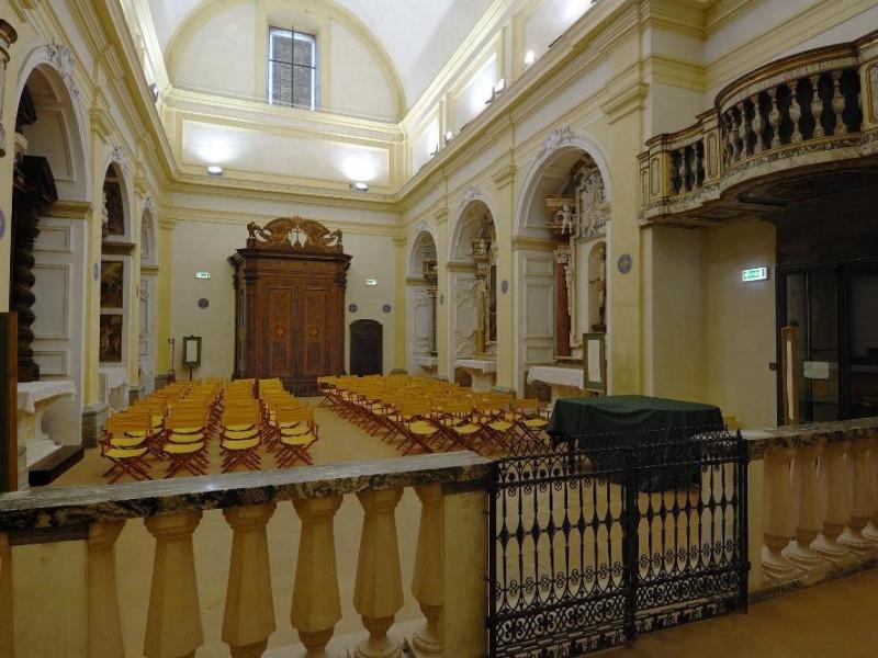 Museo di Santa Croce. Navata. jpg; 2126 pixels; 1417 pixels