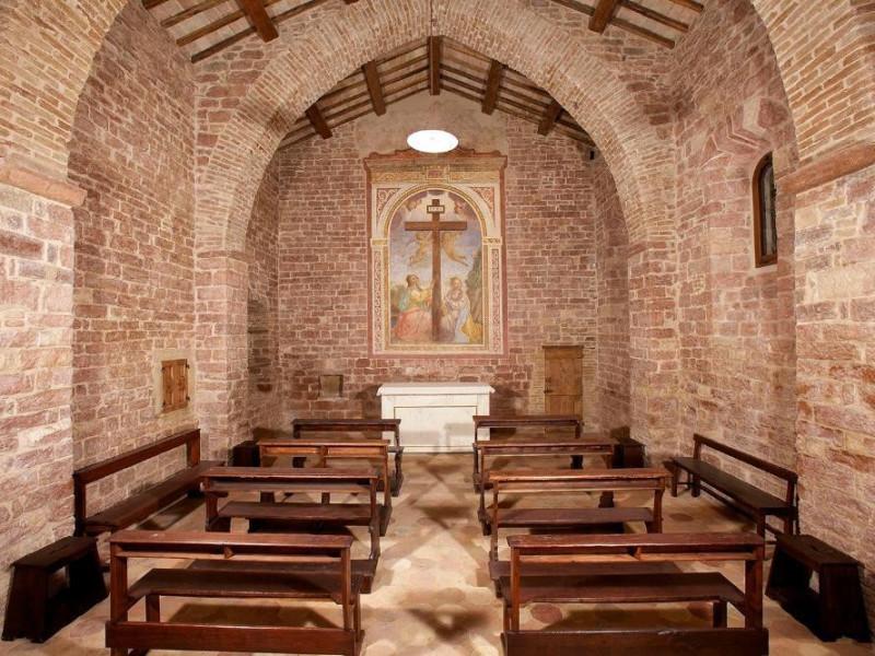 Cappella Bosco di San Francesco, Assisi, FAI-Fondo Ambientale Italiano; jpg; 1500 pixels; 1000 pixels
