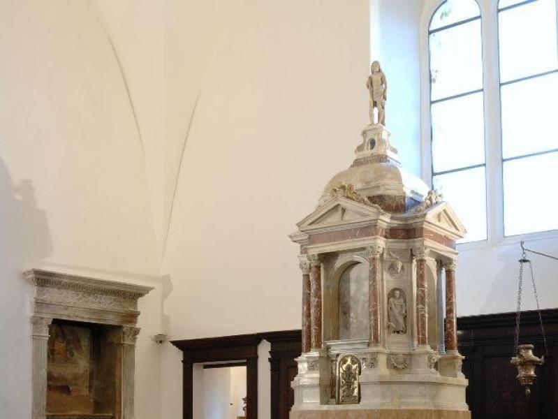 Collegiata di Santa Maria Maggiore. Altare e Fedeli, Marcello; jpg; 1417 pixels; 2126 pixels