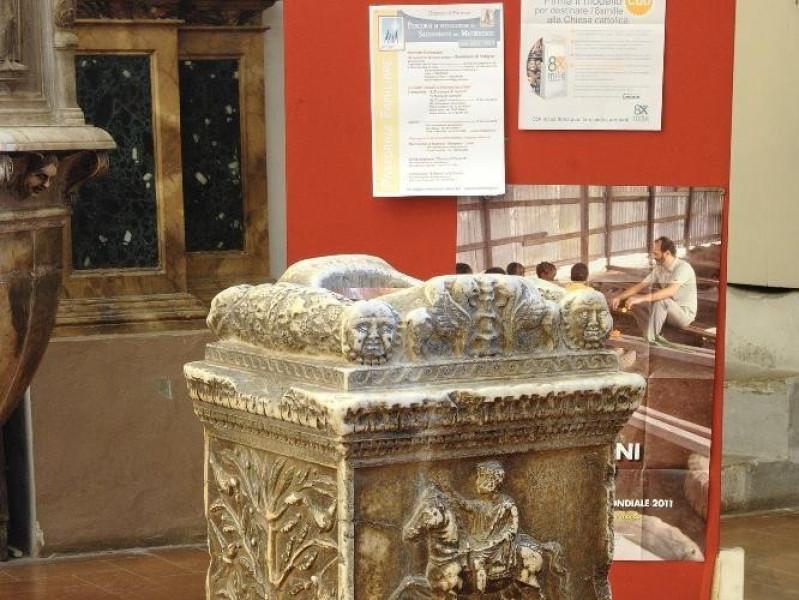 Collegiata di Santa Maria Maggiore. Altare ma Fedeli, Marcello; jpg; 1417 pixels; 2126 pixels