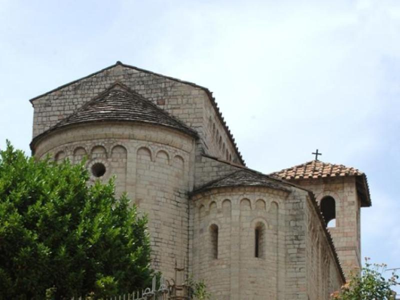Basilica di Sant'Eufemia. Retro.  jpg; 622 pixels; 929 pixels
