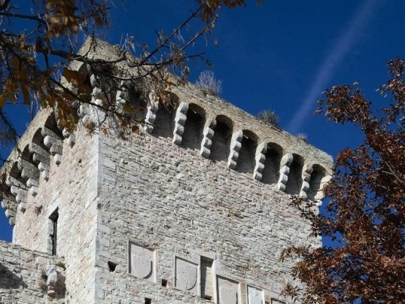 Rocca Maggiore. Ingresso Fedeli, Marcello; jpg; 1417 pixels; 2126 pixels