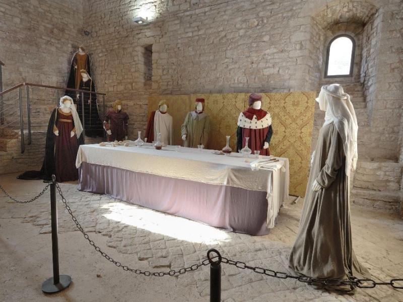Rocca Maggiore. Interno. Rievocazione storica Fedeli, Marcello; jpg; 2126 pixels; 1417 pixels