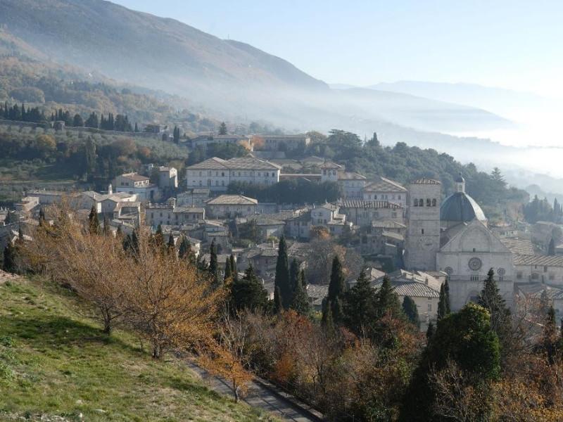 Rocca Maggiore. Veduta verso Assisi Fedeli, Marcello; jpg; 2126 pixels; 1417 pixels