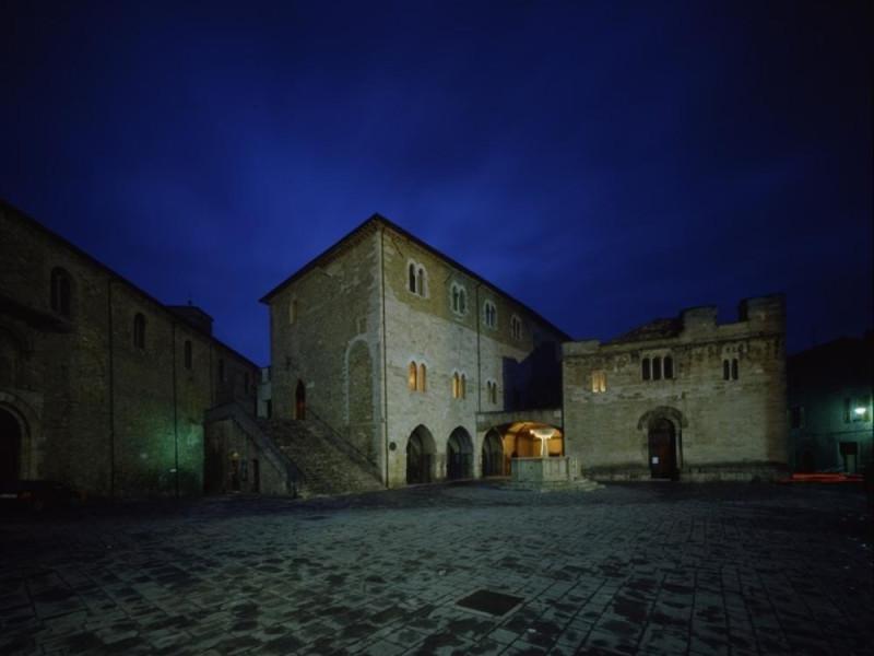 Teatro Torti. Esterno. Ficola, Paolo; jpg; 768 pixels; 620 pixels