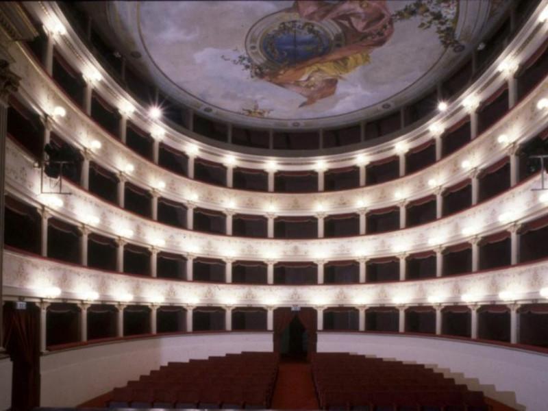Teatro degli Illuminati. Interno  ; jpg