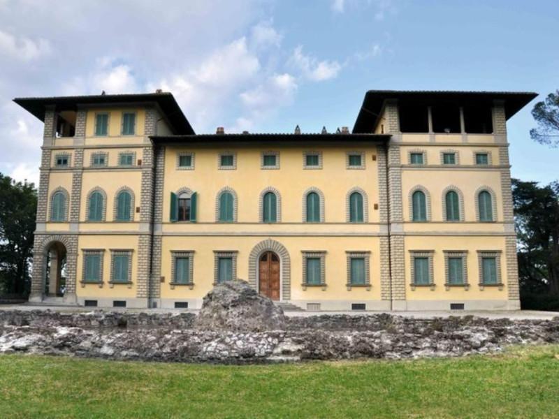 """Villa Franchetti """"La Montesca"""". Esterno, (sec Parco Tecnologico 3A-Progetto Ville e Giardini Regione Umbria; jpg; 768 pixels; 528 pixels"""