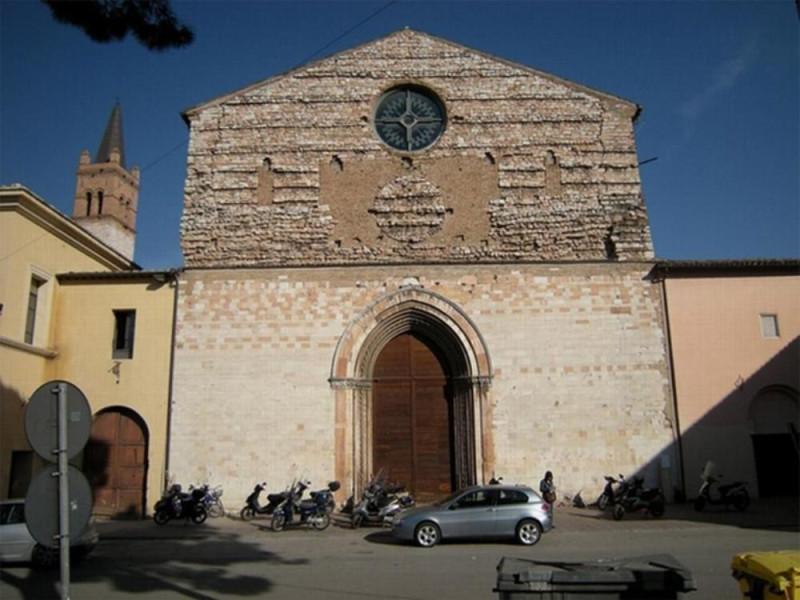 Chiesa di San Domenico. Facciata. Ficola, Paolo; jpg; 768 pixels; 577 pixels