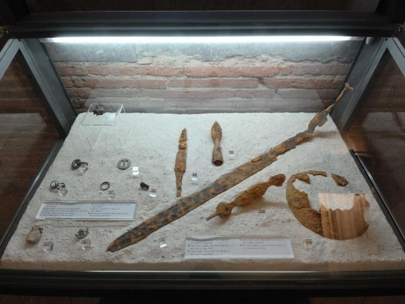 Reperti archeologici Fedeli, Marcello; jpg; 2126 pixels; 1417 pixels