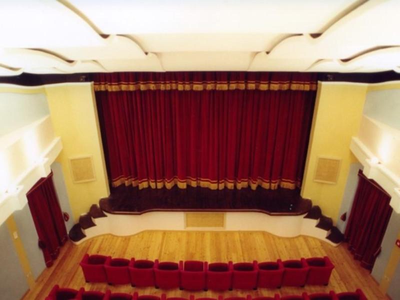 Teatro Comunale. Veduta della sala e del bocc Bovini, Mirko; jpg; 768 pixels; 511 pixels