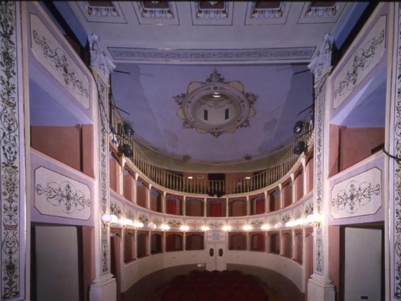 Teatro Caporali. Interno. La sala. Ficola, Paolo; jpg; 768 pixels; 544 pixels