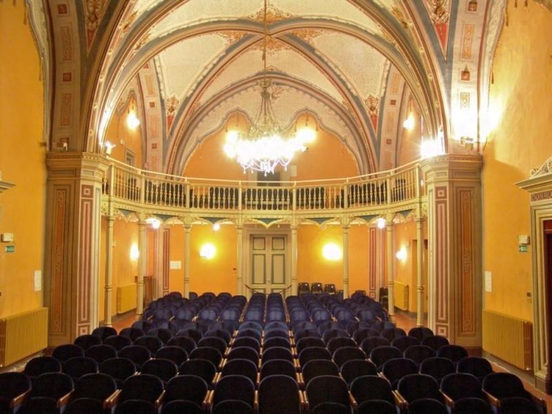 Teatro della Sapienza. Veduta dell'ingresso e Bovini, Mirko