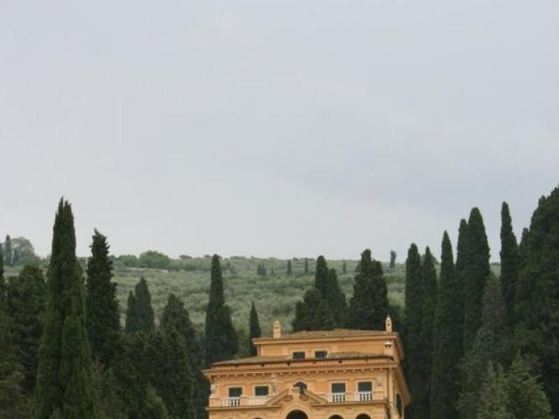 Villa Fidelia. La facciata di valle. Parco Tecnologico 3A-Progetto Ville e Giardini Regione Umbria; jpg; 512 pixels; 768 pixels