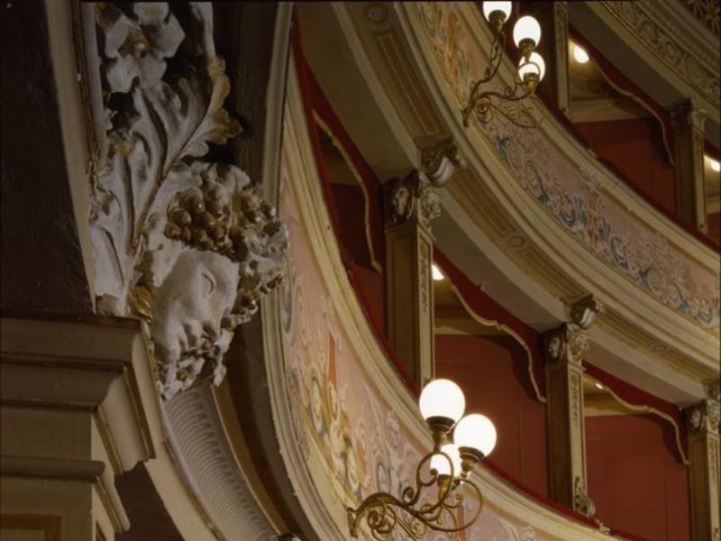 Teatro Caio Melisso. Interno. Ficola, Paolo; jpg; 620 pixels; 768 pixels