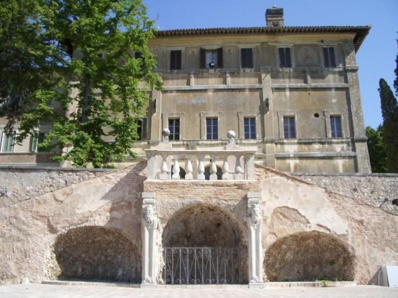 Villa Fabri. Facciata del complesso.  Parco Tecnologico 3A-Progetto Ville e Giardini Regione Umbria; jpg; 768 pixels; 576 pixels