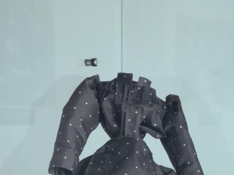 Interno. Riproduzione di costume popolare. Fedeli, Marcello; jpg; 1417 pixels; 2126 pixels