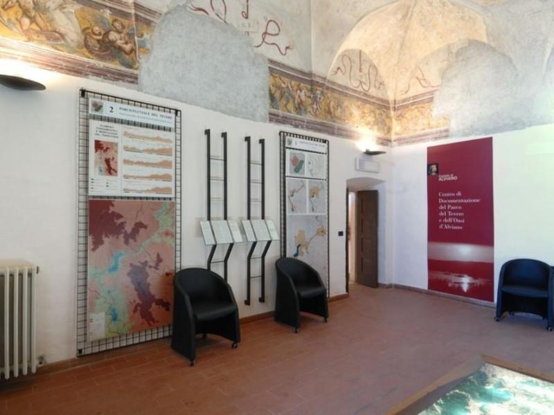 Interno. Centro Documentazione dell'Oasi faun Fedeli, Marcello; jpg; 768 pixels; 511 pixels