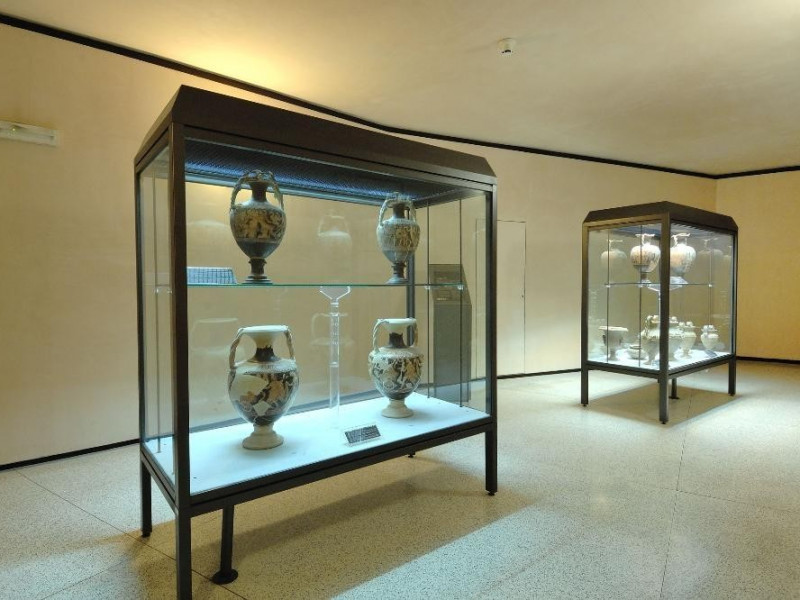 Esposizione di reperti etruschi Fedeli, Marcello; jpg; 2126 pixels; 1417 pixels