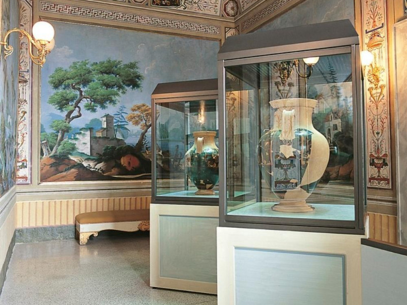 Sala espositiva Bellu, Sandro; jpg; 768 pixels; 768 pixels