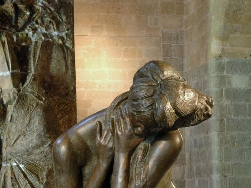 Emilio Greco. Scultura. Grande figura accocco jpg; 1417 pixels; 2126 pixels