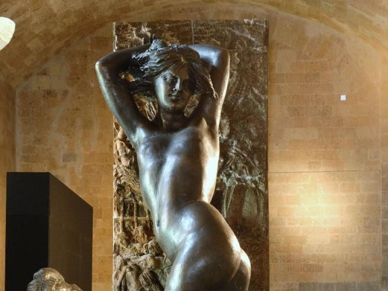 Emilio Greco. Scultura. Figura femminile jpg; 1417 pixels; 2126 pixels