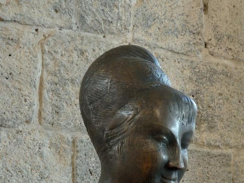 Emilio Greco. Scultura. Testa muliebre. 1951 jpg; 1417 pixels; 2126 pixels