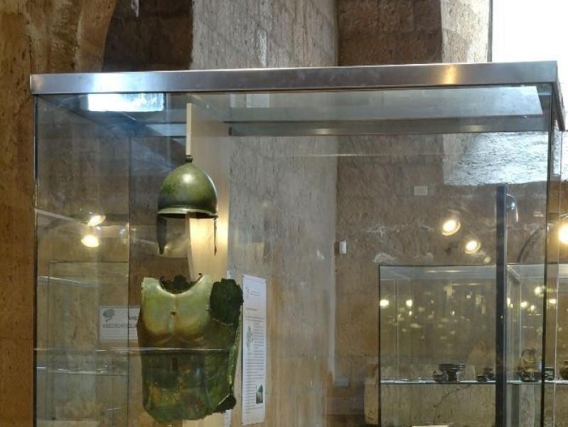 Armatura etrusca Fedeli, Marcello; jpg; 1417 pixels; 2126 pixels
