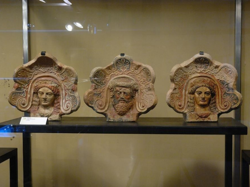 Antefisse dal tempio del V sec. Fedeli, Marcello; jpg; 2126 pixels; 1417 pixels