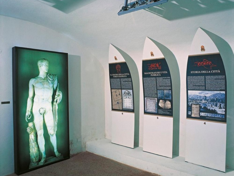 Antiquarium Comunale. Sala espositiva, allest Giorgetti, Alessio; jpg; 768 pixels; 616 pixels