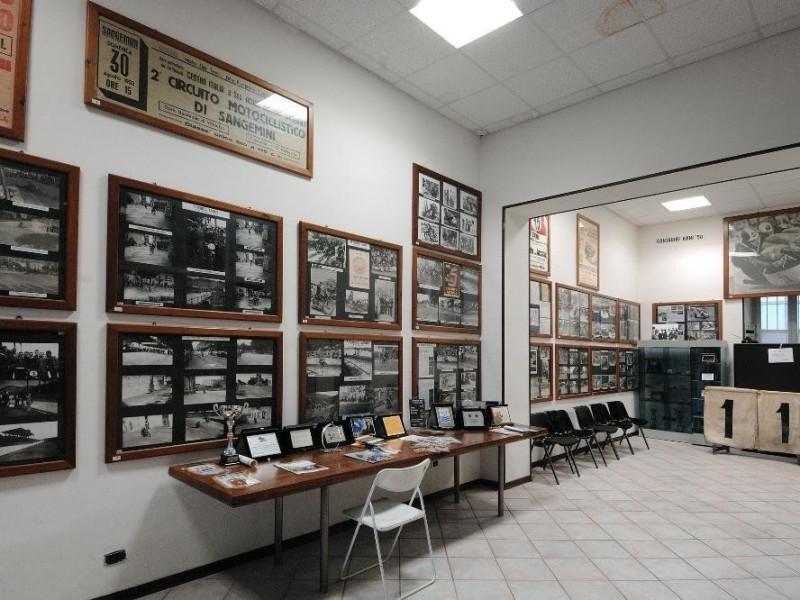 Museo del Motorismo ternano. Sala espositiva. Fedeli, Marcello; jpg; 2126 pixels; 1417 pixels