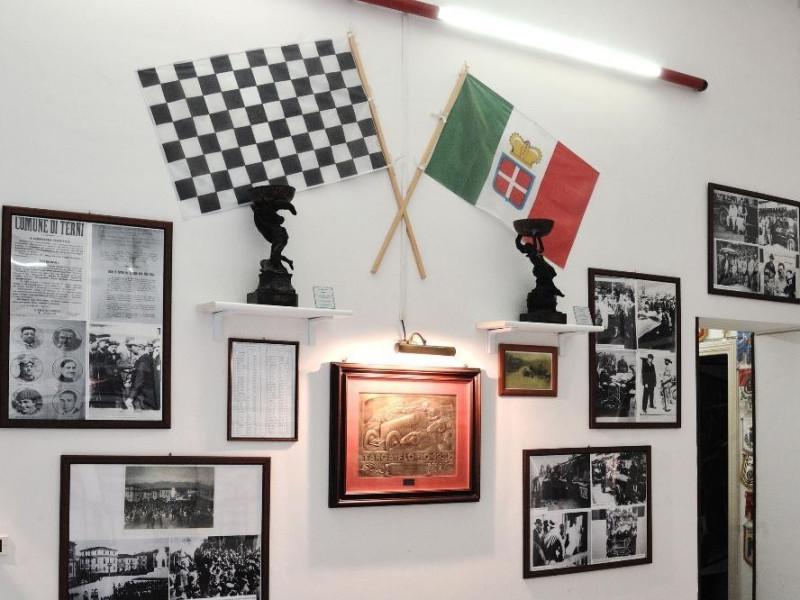 Museo del Motorismo ternano. Cimeli e foto. Fedeli, Marcello; jpg; 2126 pixels; 1417 pixels