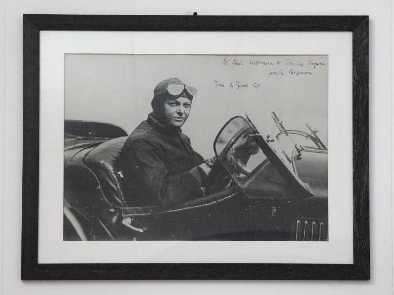 Museo del Motorismo ternano. Fotografia. Mari Fedeli, Marcello; jpg; 2126 pixels; 1417 pixels